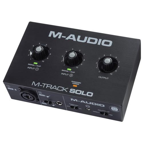 Зображення аудіоінтерфейсу M-Audio M-Track Solo – Front Right Side View|Leader Promusic