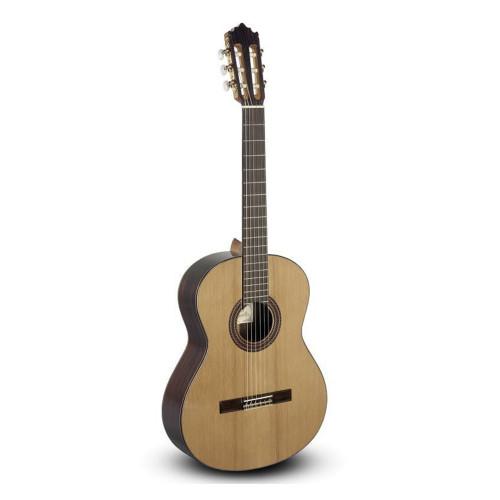Изображение классической гитары Paco Castillo 203 – Front Left Side View|Leader Promusic